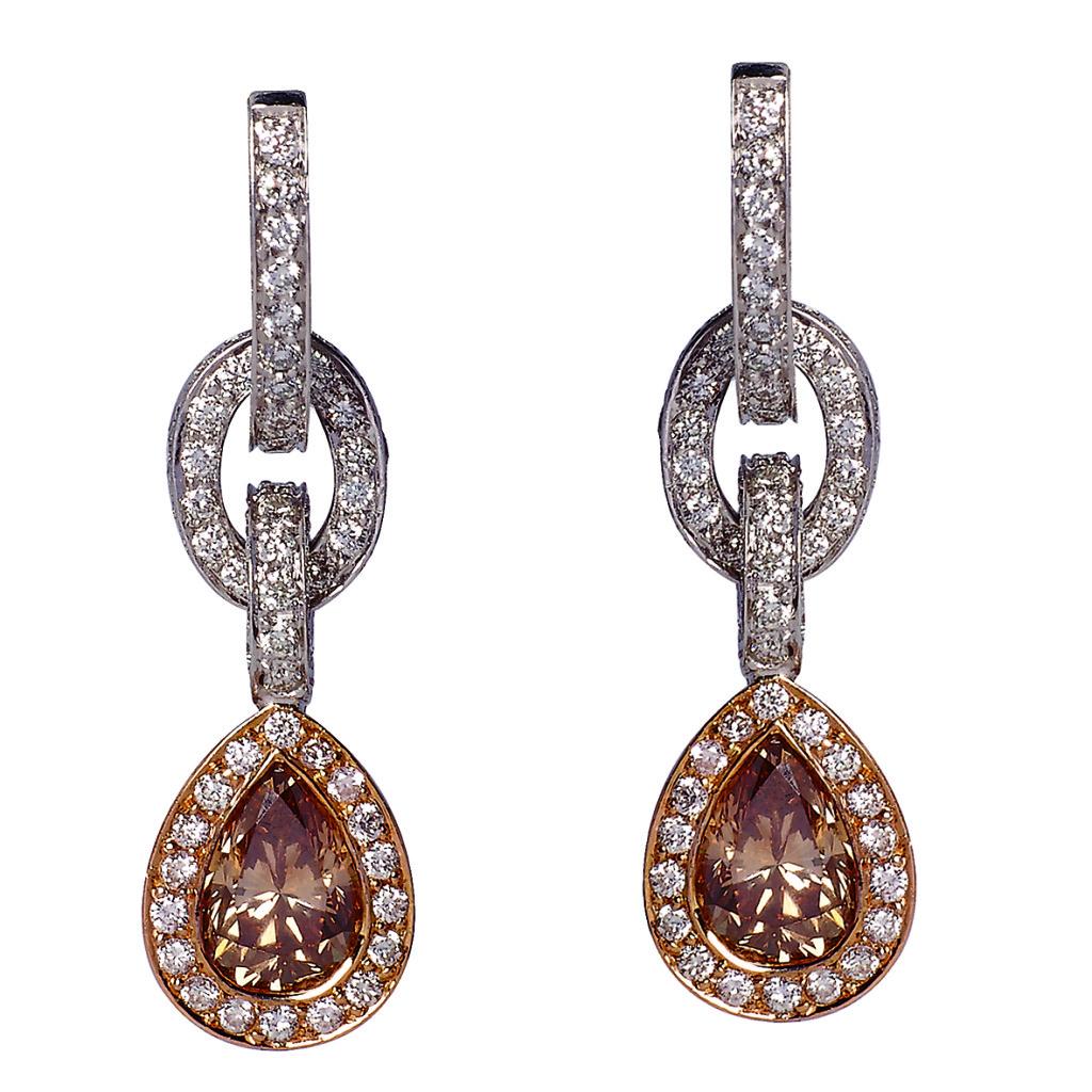 Ohrringe, Weiß- und Rotgold, 2 orange-braune Diamanten, 324 weiße Diamanten