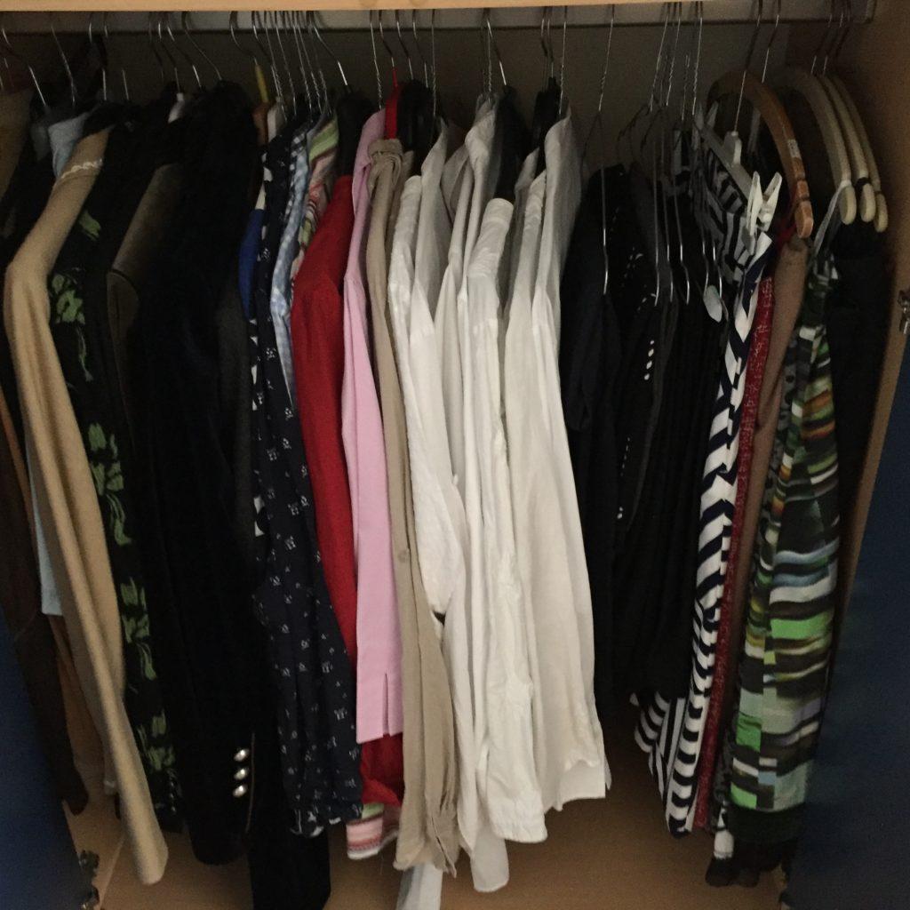 Kleiderschrank 2